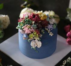 Have you ever wanted healthy desserts? Learn the way you can do it! Flores Buttercream, Korean Buttercream Flower, Buttercream Flower Cake, Gorgeous Cakes, Pretty Cakes, Amazing Cakes, Just Cakes, Cake Decorating Techniques, Floral Cake