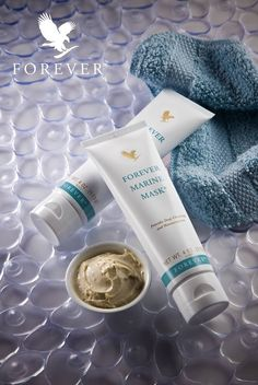 Forever Marine Mask® harnesses powerful ingredients from the sea like algae extract and sea kelp to provide deep moisturization and bioactive compounds to condition skin and leave your skin feeling refreshed and rejuvenated. Forever Living Aloe Vera, Forever Aloe, Aloe Vera Skin Care, Aloe Vera Gel, Deodorant, Sante Bio, Forever Living Business, Forever Living Products, Natural Beauty Tips