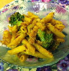 One of my favorite vegan Mac'n Cheese recipes, via It's From the Garden! Easily made gluten-free.