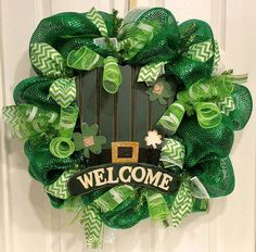 Top O' The Mornin' (St. Patrick's Day Wreath) by OurLatestCreation on Etsy https://www.etsy.com/listing/222592795/top-o-the-mornin-st-patricks-day-wreath
