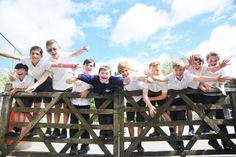 Lasimágenesque muestran la verdadera amistad y compañerismoentre un grupo de niños de escuela...