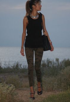 camo pants+black top and heels#perfection