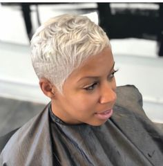 Hair goals I love this cut and color. So Im letting my hair grow some so I can achieve this look. Stylish Short Hair, Short Sassy Hair, Super Short Hair, Short Grey Hair, Short Black Hairstyles, Short Hair Cuts, Braided Hairstyles, Amazing Hairstyles, Pixie Cuts
