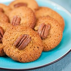 Healthy Cookies at last! Sweet Freedom replaces the sugar, ground almonds replace the highly processed white flour, healthy olive or rapesee...