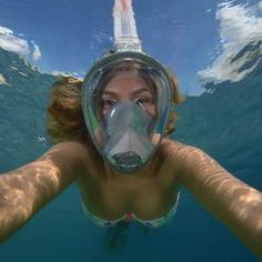 Head's Sea Vu Dry full face snorkel mask lets you breathe through your nose or mouth while keeping your face dry. The full face lens offers a wide range of viewing area without fogging up.