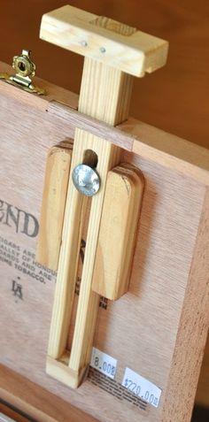 Pochade from cigar box- instructions for homemade easel Plein Air Easel, Diy Easel, Cigar Box Art, Pochade Box, Atelier D Art, Gear Art, Art Storage, Art Case, Painted Boxes