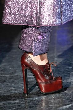 Louis Vuitton Fall 2012 Ready-to-Wear Fashion Show Details