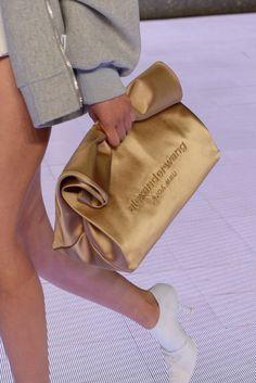 Alexander Wang Collection 1 Spring Summer 2020 New York Curvy Fashion, Fashion Bags, Fashion Accessories, Fashion Dresses, Womens Fashion, Fashion Trends, Sacs Design, Summer Bags, Spring Summer