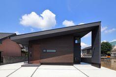 この住宅を手がけたARTECT DESIGNは、 クライアントとの話し合いによって潜在的に持っている「住」への想いを読み…