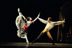 "Royal Ballet, Alina Cojocaru and Johan Kobborg in MacMillan's ""Mayerling"" (Photo: Leslie E. Spatt)"