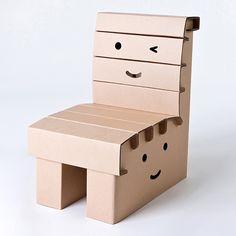 Funny Paper(ファニーペーパー)の「miley chair(マイリーチェア)」は、ダンボールの椅子です。100%リサイクル可能なダンボールを組み立てて使います。自分で組み立てられて、見ていて楽しくなる表情がデザインされています。組み立てたりお絵かきしたりと、遊び方もいろいろ。...