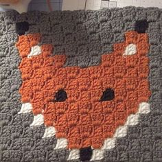 My first c2c graph piece. Fox c2c crochet block pattern from: @thefriendlyredfox Can't wait to make some more to make my self a fox blanket. ☺️ #c2ccrochet #foxcrochetblock #thefriendlyredfox #yarnie #handmade #crochet #hookandyarn