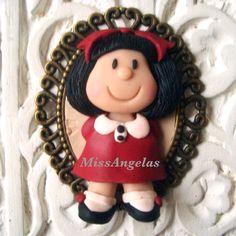 Buenos días!! Feliz fin de semana!! #fimo #polimerclay #polimero #arcilla #art #artdoll #accesorios #bisuteria #broches #clay #complementos #clay #camafeos #handmade #hechoamano #handmadedolls #moda #exclusivo #españa #salamanca #mafalda #Padgram