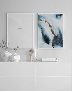 Find inspiration for creating a picture wall of posters and art prints. Endless inspiration for gallery walls and inspiring decor. Create a gallery wall with framed art from Desenio. Art Mur, Wall Art, Deco Studio, Modern Wall Decor, Art Abstrait, Home And Deco, My New Room, Cozy House, Picture Wall
