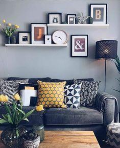 Sala de estar aconchegante com tons de cinza/preto e amarelo. Cozy Living Rooms, Home Living Room, Living Room Designs, Living Room Decor, Bedroom Decor, Living Room Inspiration, Home Decor Inspiration, Home Decor Wall Art, Room Colors