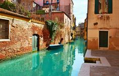 Top 5 (+1) Unusual Places to Visit in Venice That Most Tourists Miss #Venice #italy