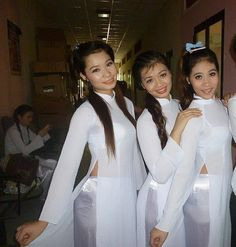 Sexy Outfits, Fashion Outfits, Transparent Dress, Vietnamese Dress, Ao Dai, Beautiful Asian Girls, Traditional Dresses, Oriental, Pretty Woman