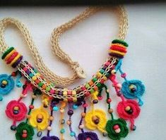 crochet necklace yellow carnat