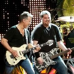 Tons of great onstage, backstage & fan photos from Van Halen's Tampa concert last night! Wolf Van Halen, Eddie Van Halen, Wolfgang Van Halen, David Lee Roth, Rock N Roll, Backstage, Mens Sunglasses, Fan, Concert