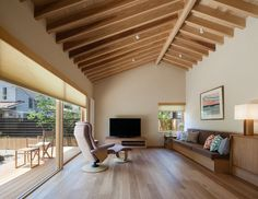 A Super-Insulated Home in Japan Brings Comfort to an Elderly Couple - Photo 5 of 14 -