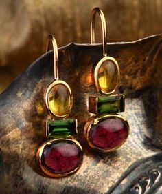 Color riot hook earrings - Sprightly combination of garnets, tourmalines and golden topaz in this pair of handcrafted gold earrings. Diamond Jewelry, Silver Jewelry, Coral Jewelry, Beaded Jewelry, Jewelry Necklaces, Silver Rings, Bijou Box, Gold Earrings Designs, Custom Earrings