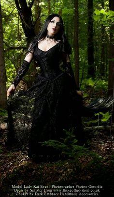 Le Blog Gothic Shop: Kat Yeux Lady - Omorfia Photoshoot - Alvira