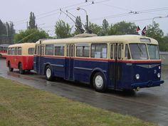Trolejbus Škoda 7Tr s vlečným vozem Karosa B40.