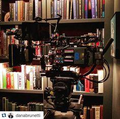 Fifty shades darker behind the scenes Christian grey Bibliothek