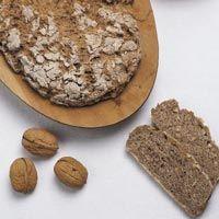 Pan integral de manzanas y nueces