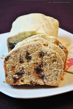 Küchenzaubereien: Rumkuchen mit Pralinenstückchen