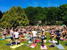Group yoga class during summer in the Parc Monceau. Head out and explore the best parks in Paris! We'll visit the best parks & gardens in every part of Paris so you can plan that memorable picnic lunch.