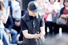 Jung Daehyun Himchan, Youngjae, Jung Daehyun, Bap, Riding Helmets, Leather Jacket, Jackets, Fashion, Studded Leather Jacket