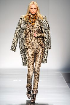 Blumarine Fall 2012 RTW - Review - Fashion Week - Runway, Fashion Shows and Collections - Vogue