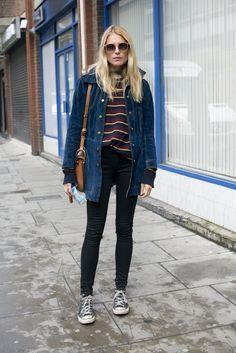 Pin for Later: Die Straßen von London sind gefüllt mit den coolsten Klamotten Street Style bei der London Fashion Week September 2015