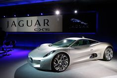Jaguar C-X75 hybrid supercar. Me likey.
