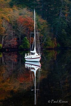 People are like sailboats .... They are controlled by what is hidden below the surface, that which we can not see!!!: