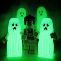 ''i ain't afraid of no ghost'' by Mark Holden Cool Lego, Cool Toys, Awesome Lego, Lego Portrait, Figurine Lego, Lego People, Bttf, Lego Creations, Ghostbusters