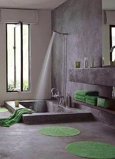 Tadelakt texture in a Moroccan bathroom. Just wait until this trend makes it her… Tadelakt texture in a Moroccan bathroom. Just wait until this trend makes it here… It takes a lot of skills to do it right though… Tub Shower Combo, Shower Tub, Stone Shower, Dream Shower, Shower Towel, Shower Basin, Shower Mats, Stone Bathtub, Jacuzzi Bathtub