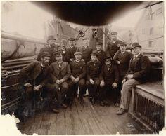 Fridtjof Nansen og den norske Nordpolekspedisjonen om bord i Fram, 1896 Robert Falcon Scott, Roald Amundsen, Courageous People, Exploration, My Ancestors, School Photos, Mountaineering, Oslo, Arctic