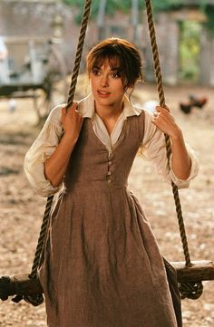 Keira Knightley as Elizabeth Bennet, Pride & Prejudice Costume Designer Jacqueline Durran. I love all the costumes in this film,especially those of Lizzie Bennet Keira Knightley, Keira Christina Knightley, Jane Austen, Elisabeth Swan, Pride And Prejudice 2005, Pride And Prejudice Elizabeth, Matthew Macfadyen, Judi Dench, Period Outfit