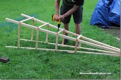 Looks like a good tutorial! [DIY Trellis, Wood Trellis, Obelisk Trellis]