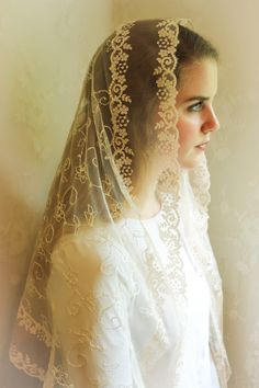 Evintage Veils~ Our Lady Blush Ivory Embroidered Lace Chapel Veil Mantilla Latin Mass LONG Veil