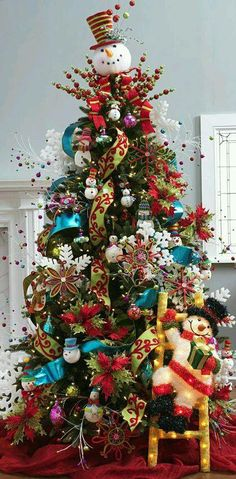 Find Here, 40 DIY Homemade Christmas Tree Decoration Ideas Homemade Christmas Tree Decorations, Whimsical Christmas Trees, Beautiful Christmas Trees, Christmas Tree Themes, Christmas Tree Toppers, Christmas Snowman, Xmas Decorations, Xmas Tree, Christmas Home