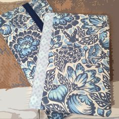 Home :: Folders / Book Covers :: Winter Bloom - Bible Cover and Tract Folder Set