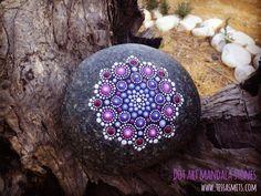 dot art mandala stone tessa smits no3