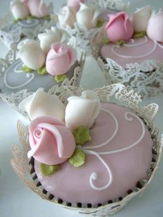 These cupcakes, but with lavender tops, with violet flowers - the lace covers are an absolute must! - Ana Rosa