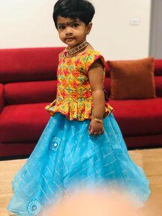 Kids Gown Design, Kids Lehenga, Kids Frocks, Sari, Hands, Gowns, Fashion, Saree, Vestidos