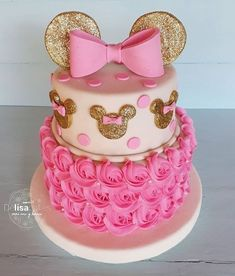 Minnie Mouse Cake Design, Minni Mouse Cake, Minnie Mouse Cookies, Minnie Cake, Minnie Mouse Theme, Mickey Cakes, Minnie Mouse Party Decorations, Minnie Mouse Birthday Decorations, Minnie Mouse First Birthday