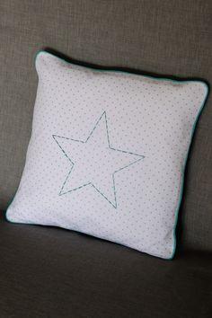 Coussin étoile pour chambre bébé enfant