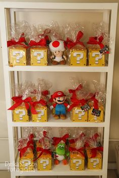 party favors - super mario bros question boxes with chocolate coins inside Super Mario Party, Super Mario Bros, Super Mario Birthday, Mario Birthday Party, 6th Birthday Parties, Birthday Gifts, Birthday Ideas, Birthday Box, Nintendo Party